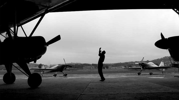 Flying by Foot , Alicja Karska, Aleksandra Went, video, 2013
